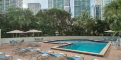Hyatt-Regency-Miami-Swimming-Pool